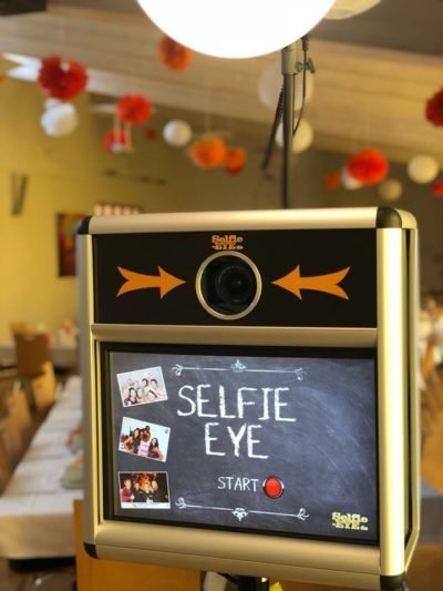 party wedding photobooth selfie eye